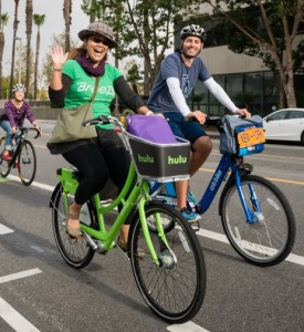 Cynthia Rose rides a Breeze Bike Share bike with Countri Bike's Jeffrey Tannenhaus around Santa Monica. Photo: Santa Monica Spoke.
